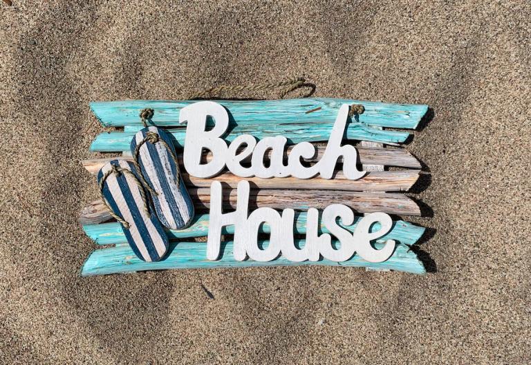 Logo Beach House Giethoorn
